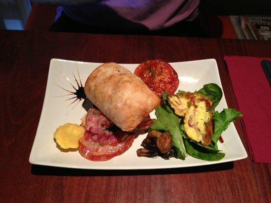 Pinocchio Italian restaurant & Wine bar : Breakfast @ Pinocchio