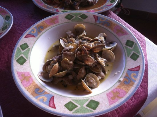 Bar & Restaurant Romantica: Clams