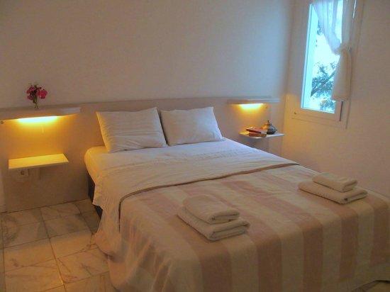 Serena Suites: Main room in the 2 Bedroom Suite