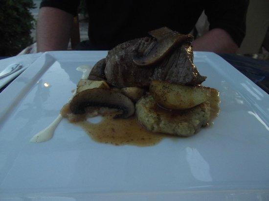 Essence Restaurant: Fillet Steak with Mushrooms