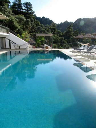 Serena Suites: The Swimming Pool