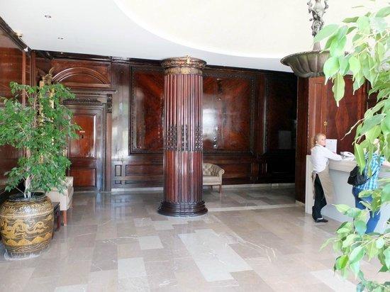 "Mayor Mon Repos Palace 'Art Hotel"": Lobby"
