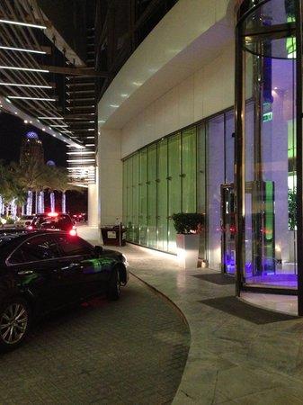 Media One Hotel Dubai: Ingresso Media One
