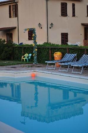 Agriturismo Barbadoro: La nostra piscina
