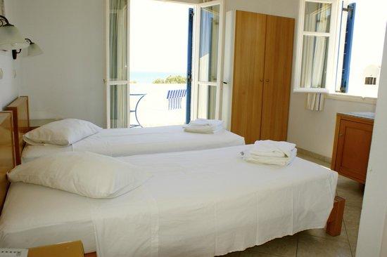 Blue Bay Villas : Your ocean view & balcony