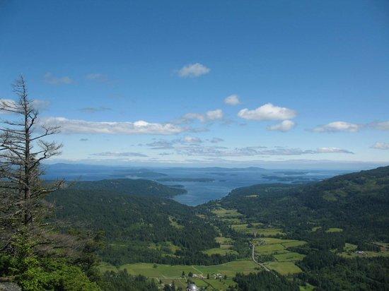 Western Splendour Tours & Charters: Mount Maxwell