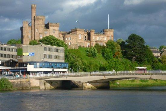 Dionard Guest House: Inverness Castle