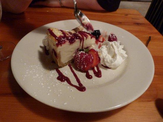 Evergreen Lodge at Yosemite Restaurant: White chocolate dessert