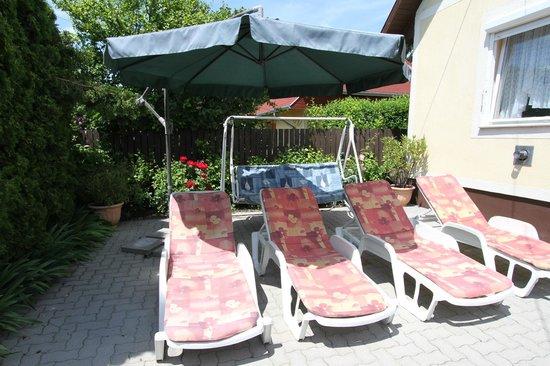 "Holiday House Csorba: Sonnenterrasse Ferienhaus ""E"""