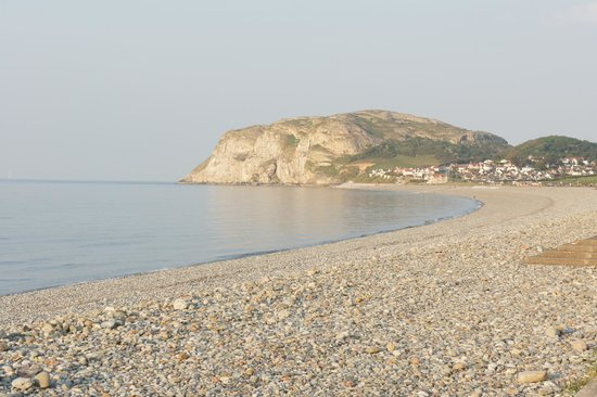 North Shore Beach : Shingle beach and Little Orme