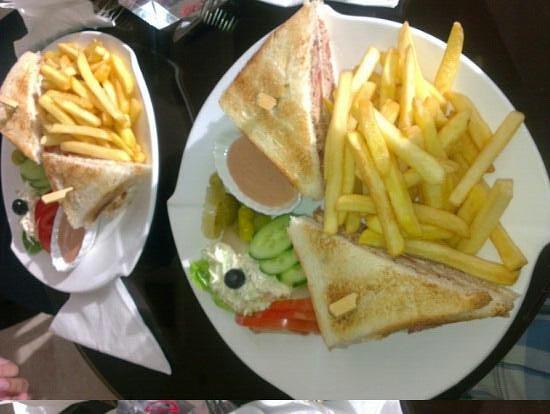 Mercure Al Khobar : lobby coffeeshop sandwiches