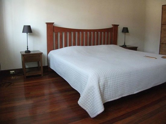 Costa Rica Guesthouse: bedroom with king size bed