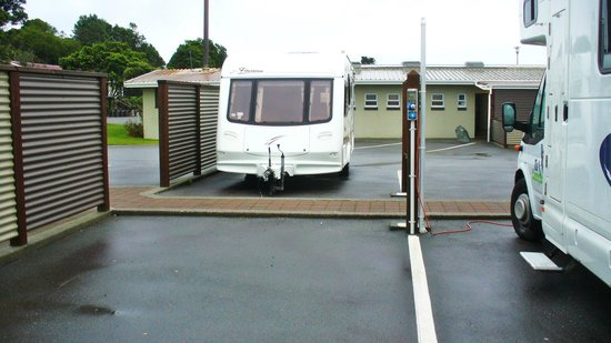 Greymouth Seaside Top 10 Holiday Park: And their is plenty of room whether it be a camper van or caravan.