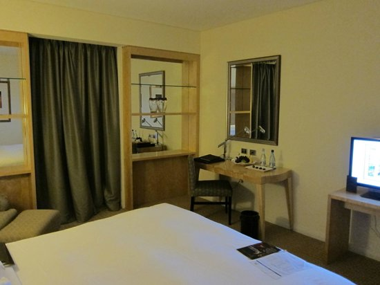 Sofitel Sydney Wentworth: Room1