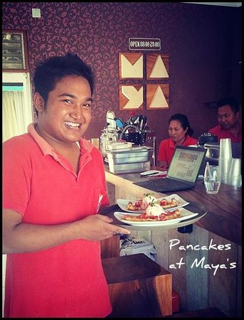 Maya's Coffee & Smoothie Bar : Maya's staff
