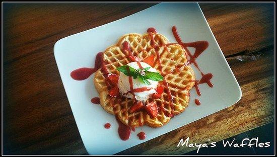 Maya's Coffee & Smoothie Bar: Swedish waffles