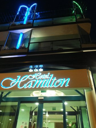 Hotel Hamilton: Hotel, Front, Abend