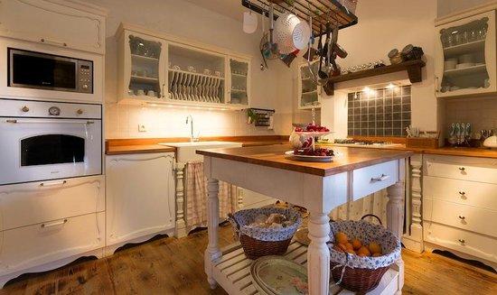 Asmahan Otel: Our Kitchen