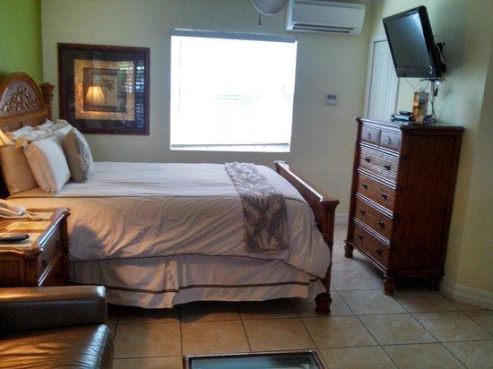 Tropical Beach Resorts : Super comfy bed