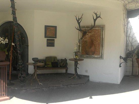 Relais & Châteaux Hotel Jagdhof Glashütte: Flot indgang