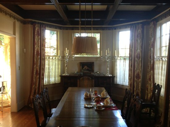 Daisy Polk Inn: Dining room