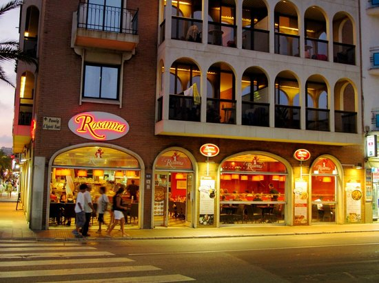 rosanna by night picture of pizzeria restaurant rosanna lloret de mar tripadvisor. Black Bedroom Furniture Sets. Home Design Ideas