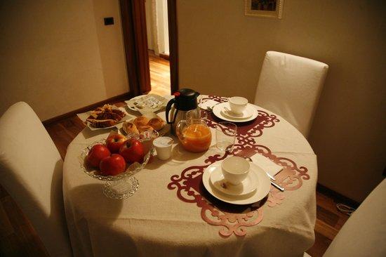 B&B La Dimora di Giulietta: lovely breakfast