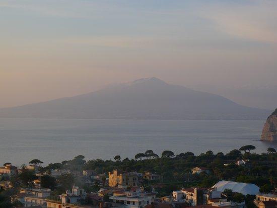 Cristina Hotel: Mt. Vesuvius