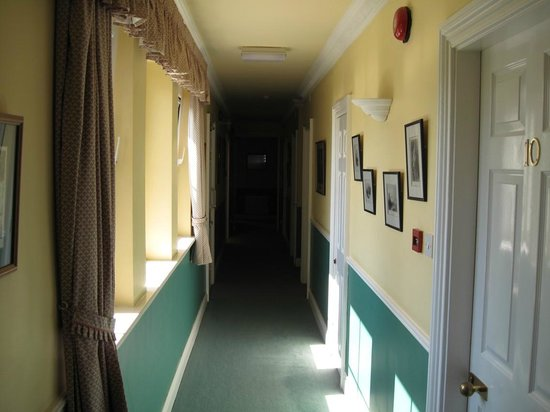 Killarney Lodge: Corridor