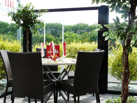 Restaurant la boucherie dans saint barthelemy d 39 anjou avec for Les 5 jardins saint barthelemy d anjou