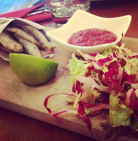 The Queens Arms: salt and pepper whitebait - with tomato and chilli jam