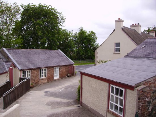 Ballydougan Pottery Courtyard Cottages: View of the Courtyard