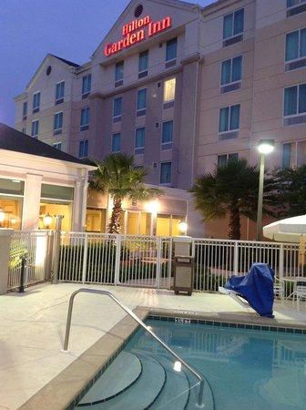 Hilton Garden Inn Tallahassee Central: pool