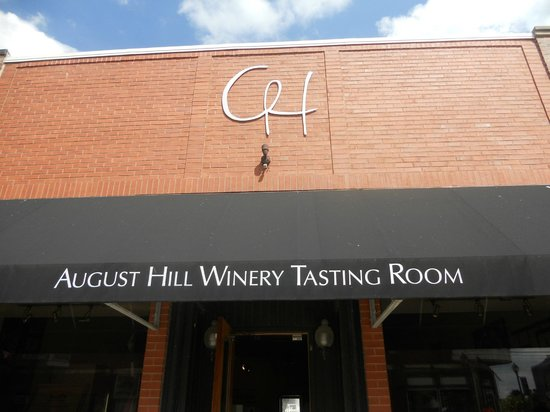 August Hill Winery & Illinois Sparkling Co. Tasting Room