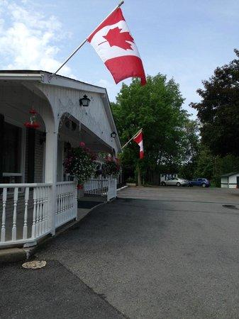 First Canada Inns : Reception