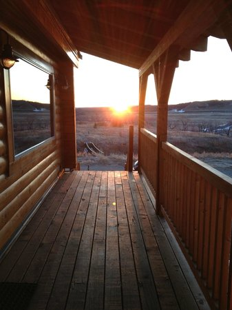 Waterton River Suites: Breakfast BBQ Balcony View