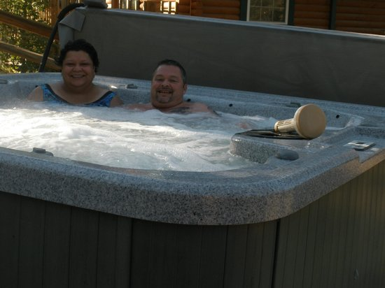Mountain Air Cabins : Personal jacuzzi is awesome!!