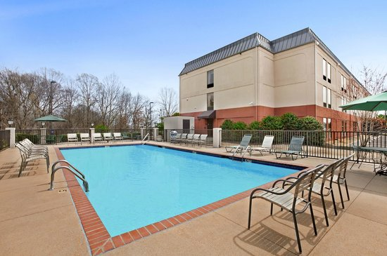 Hampton Inn Batesville: Pool