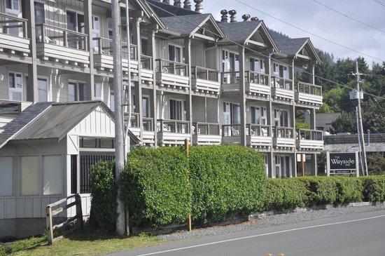 The Wayside Inn: Wayside exterior