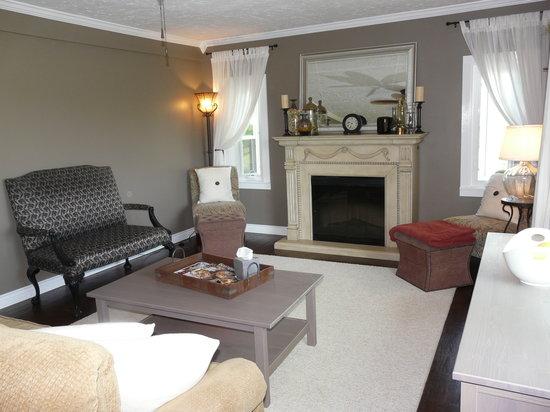 Bella Teresina Inn: Common Inn Living Room