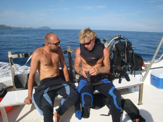 Aquacenter Diving: detailed briefings before the dive leave no questions open...