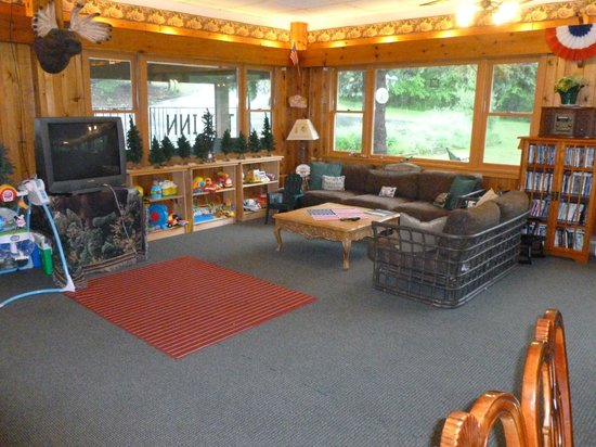 The Inn at Whiteface: Kids play area equipped with Wii and all types of board games.