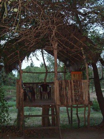 Clay Hut Village : village symbol