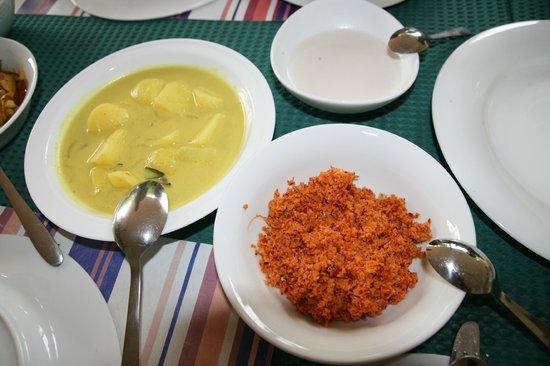 Clay Hut Village : Nice food