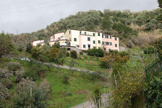 Hotel Al Terra di Mare: L'Hotel: un piccolo borgo ligure