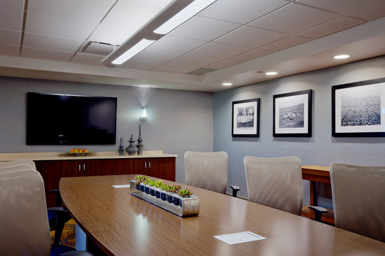 DoubleTree by Hilton Hotel South Bend: Board Room