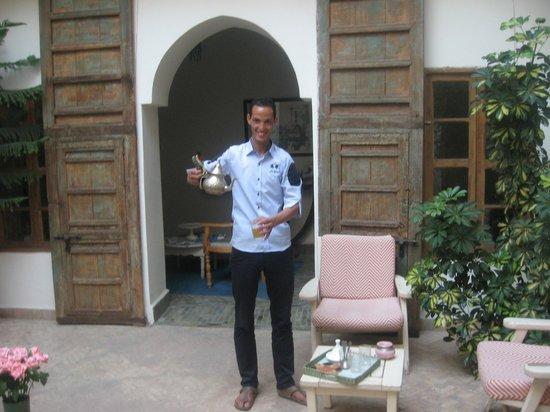 Riad le coq berbere: il rito del tè