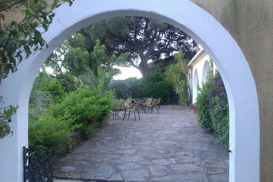 Hotel Paradis : Lovely grounds