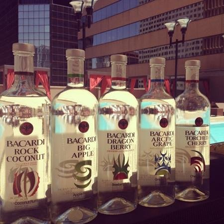 Sheraton Denver Downtown Hotel: Bacardi at the pool bar!