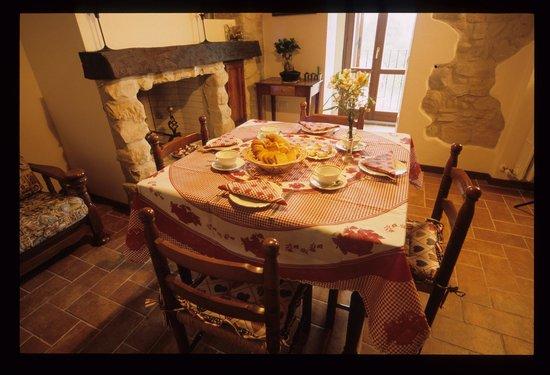 Bed and Breakfast Dalla Postina: sala colazione